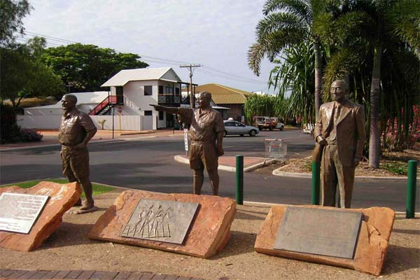 BROOME TOURS statues