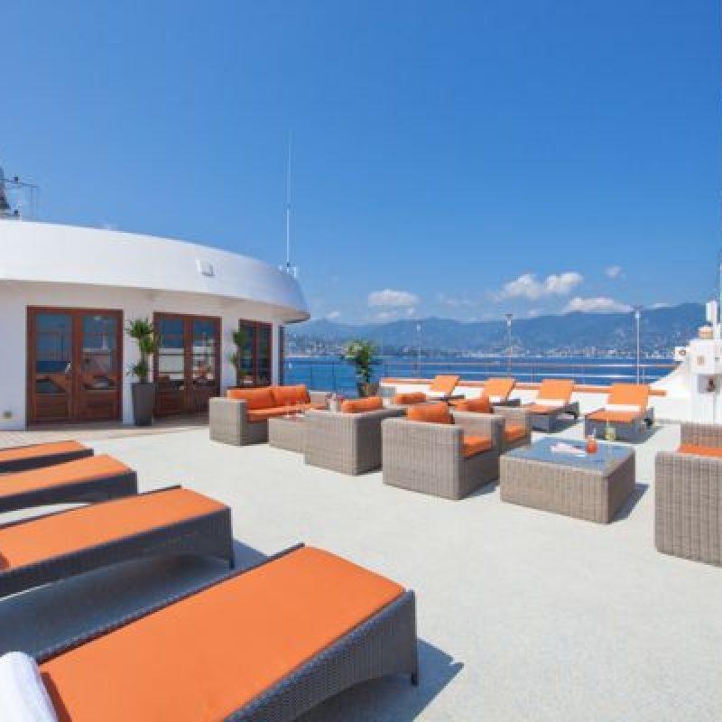 CALEDONIAN SKY top deck lounge