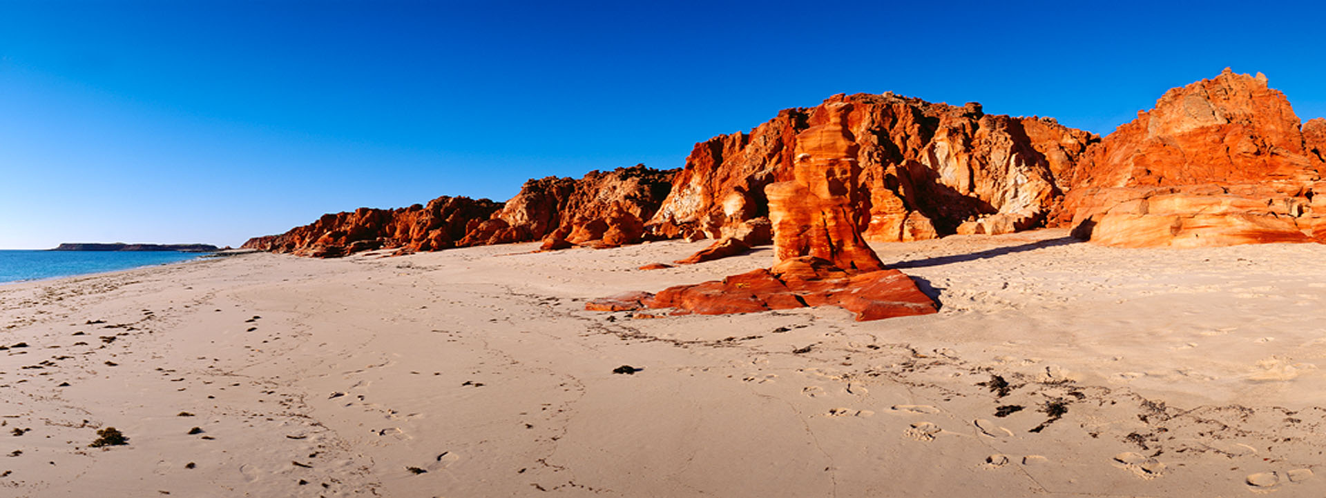 CAPE LEVEQUE ABORIGINAL COMMUNITY TOURS rock image