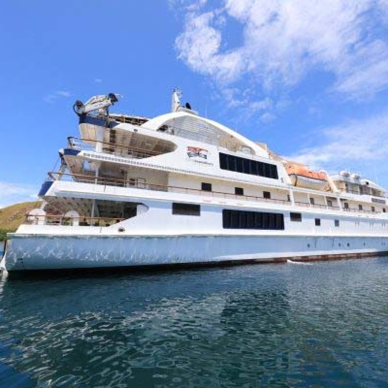 CORAL DISCOVERER Kimberley cruise still water bay