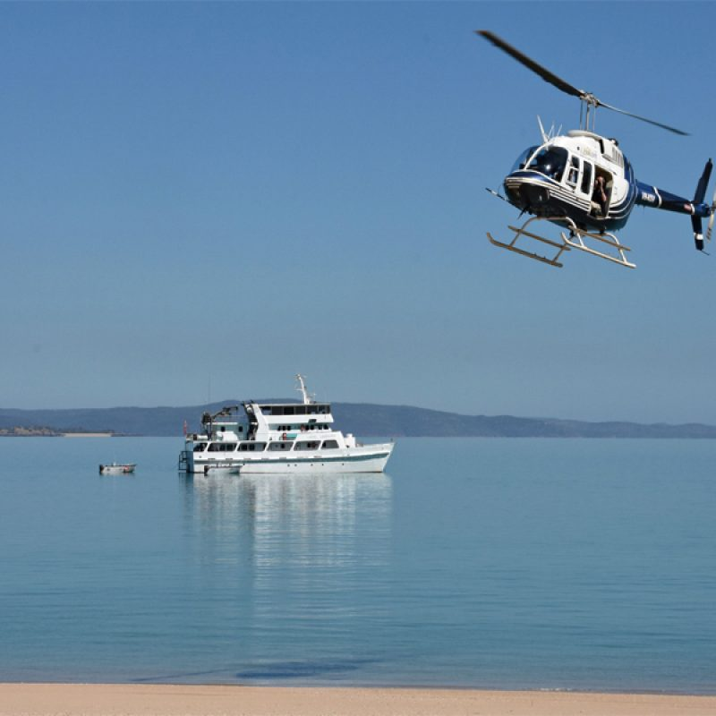 ECO ABROLHOS boat and helicopter