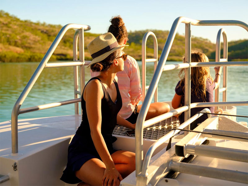 GO HORIZONTAL FALLS TOURS group woman in hat
