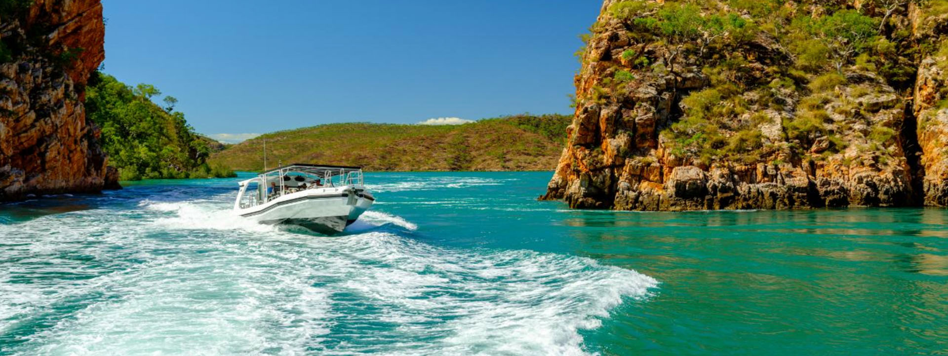 GO HORIZONTAL FALLS tours boat fast group