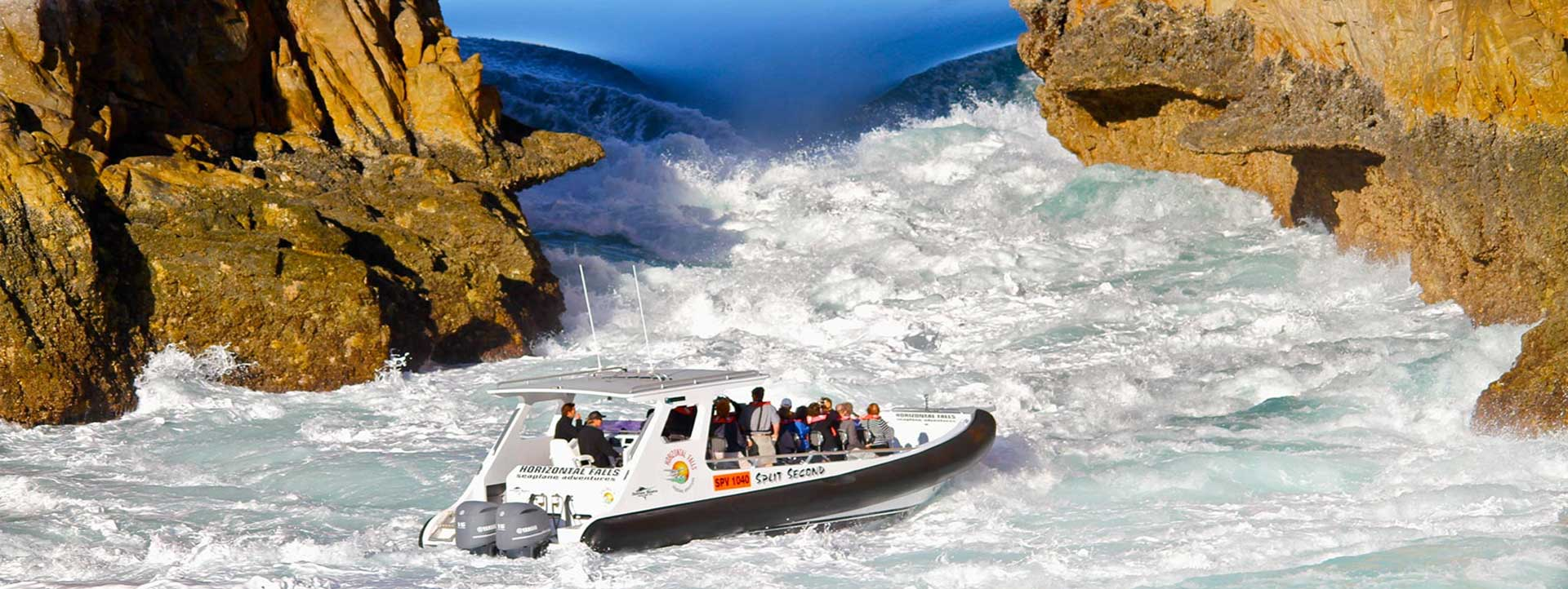 HORIZONTAL-FALLS-SEAPLANE-ADVENTURES-boat-fast-jetboat
