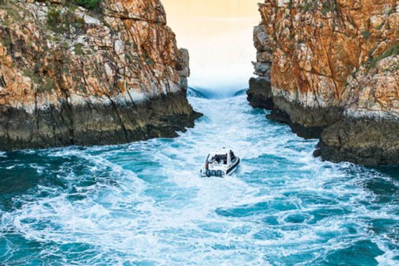 HORIZONTAL-FALLS-SEAPLANE-ADVENTURES