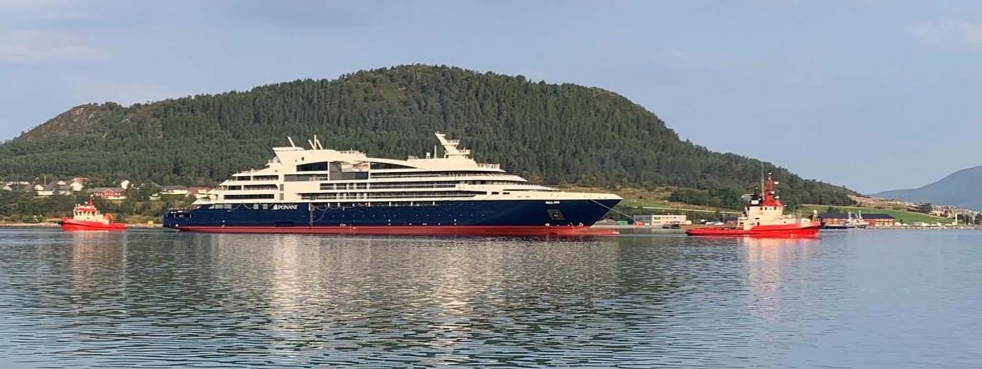 LE BELLOT Kimberley cruise ship side profile
