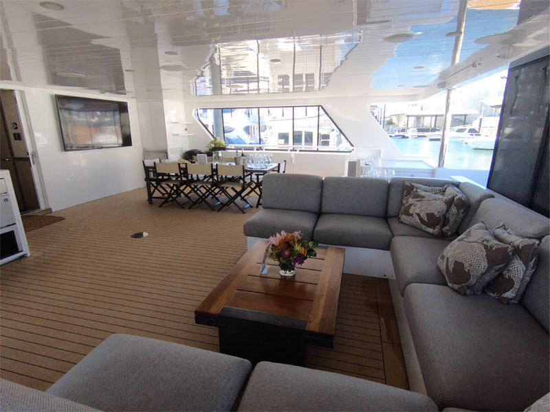 OCEAN-DREAM-back-deck-dining-area-seating