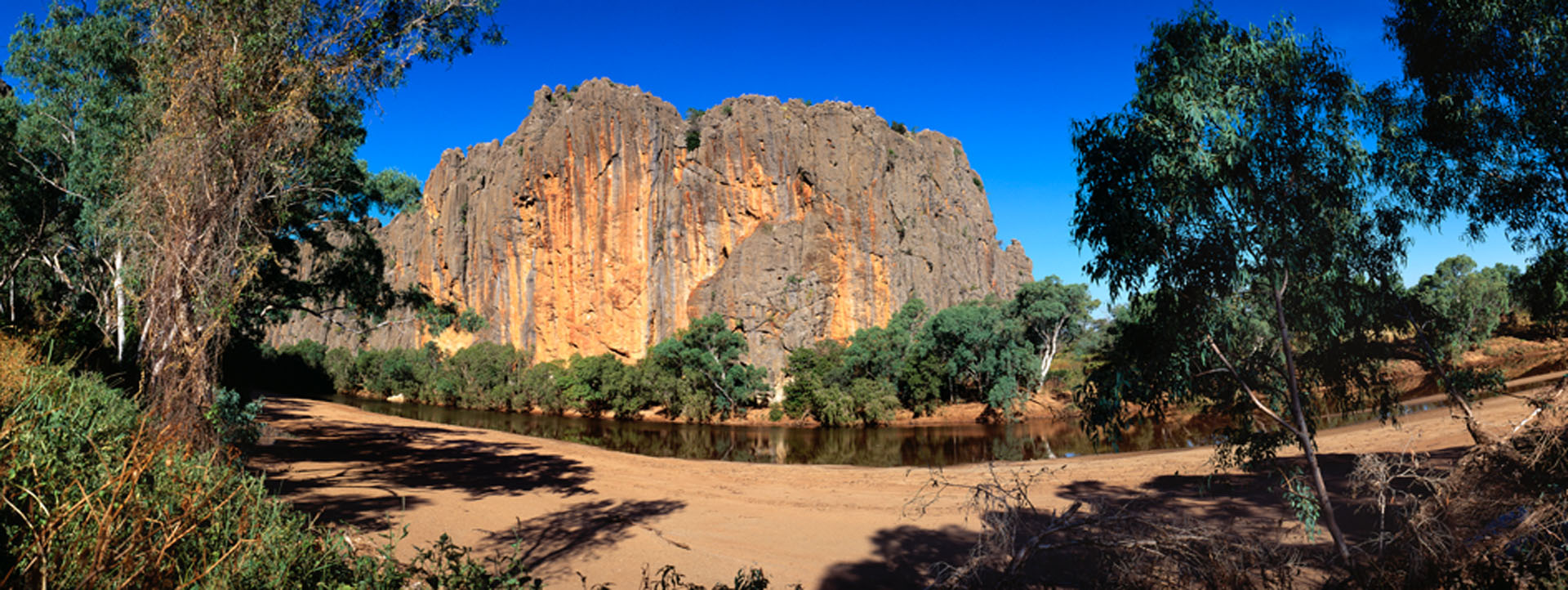 WINJANA GORGE rock and water image