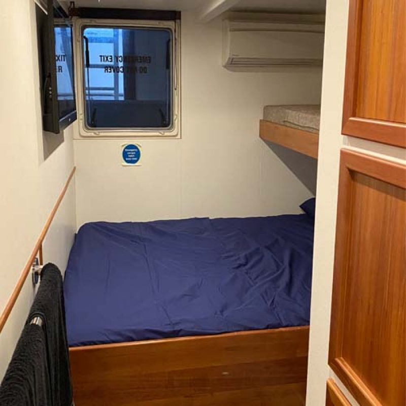 TWO SEAS CABIN bedroom