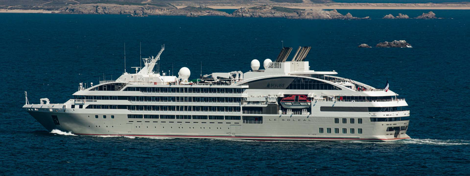 LE SOLEAL side profile Kimberley cruises